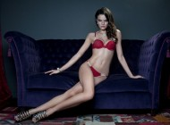 Top Bárbara Fialho volta a chamar atenção em ensaio de lingerie