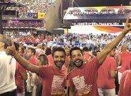 Os premiados Hugo de Sousa e Pedro Carvalho estão aproveitando o carnaval no Rio de Janeiro