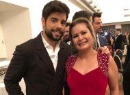 Esteticista brasileira homenageada com prêmio na Europa pelo seu sucesso